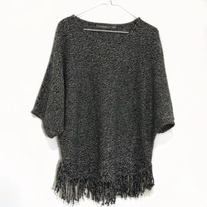 NY COLLECTION Black and White Sweater with Fringe